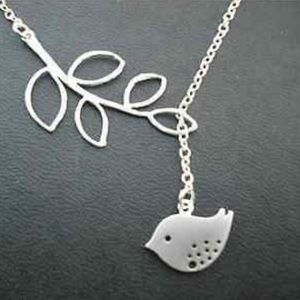 Jewelry - Silver Plated Bird Necklace